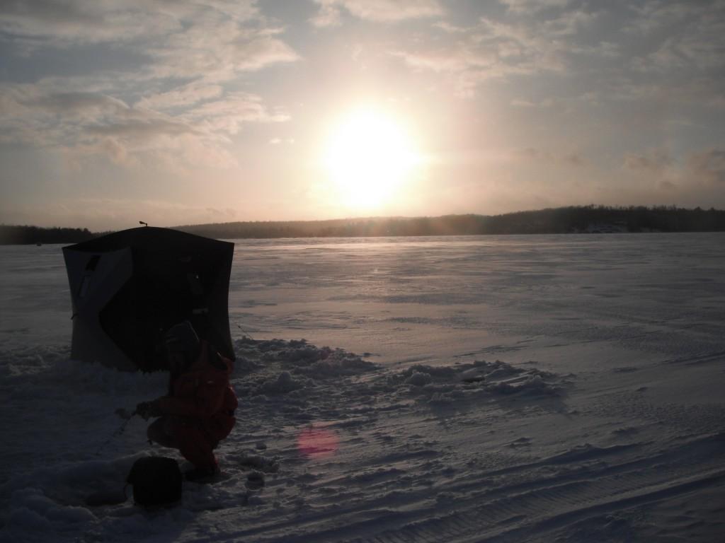 DSCF8182 1024x768 On the ice, in the dark